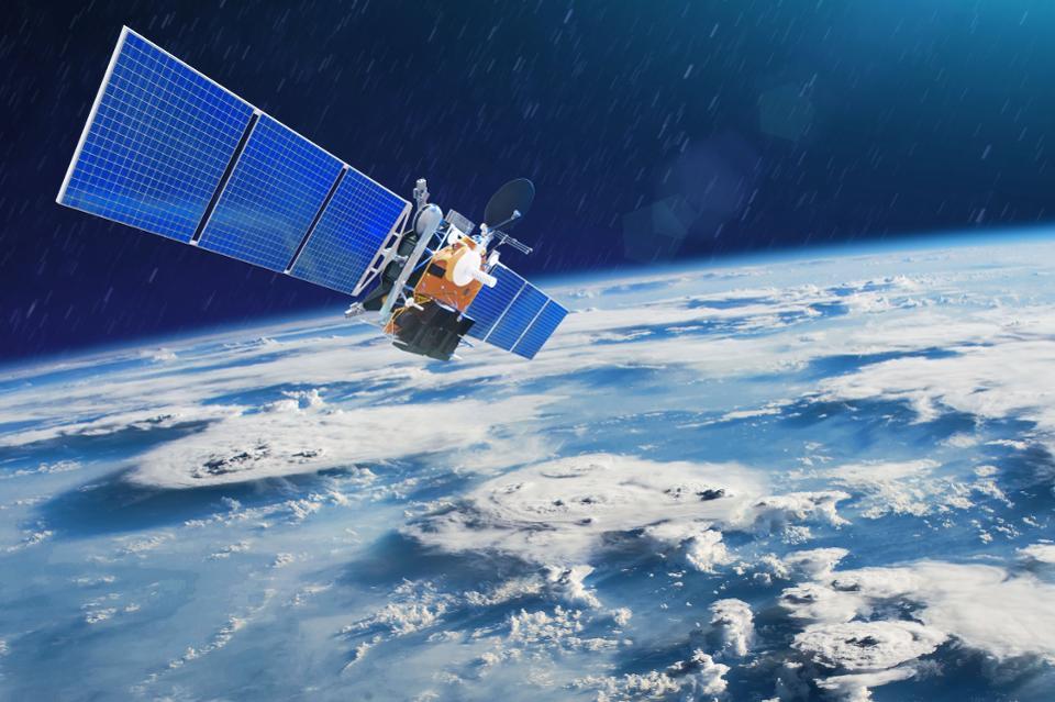 sateliti, bill gates